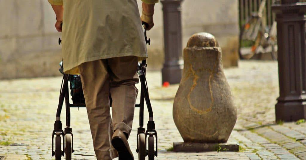 andadores-ancianos-muletas-ortopedicas-adultos-caminadores-comprar-tienda-baratos