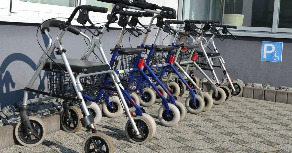 andadores-ancianos-muletas-ortopedicas-adultos-caminadores-descuento-oferta-ocasion